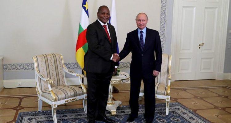 «Timidement», la guerre de communication entre la France et la Russie est lancée en Afrique selon Facebook (rapport)