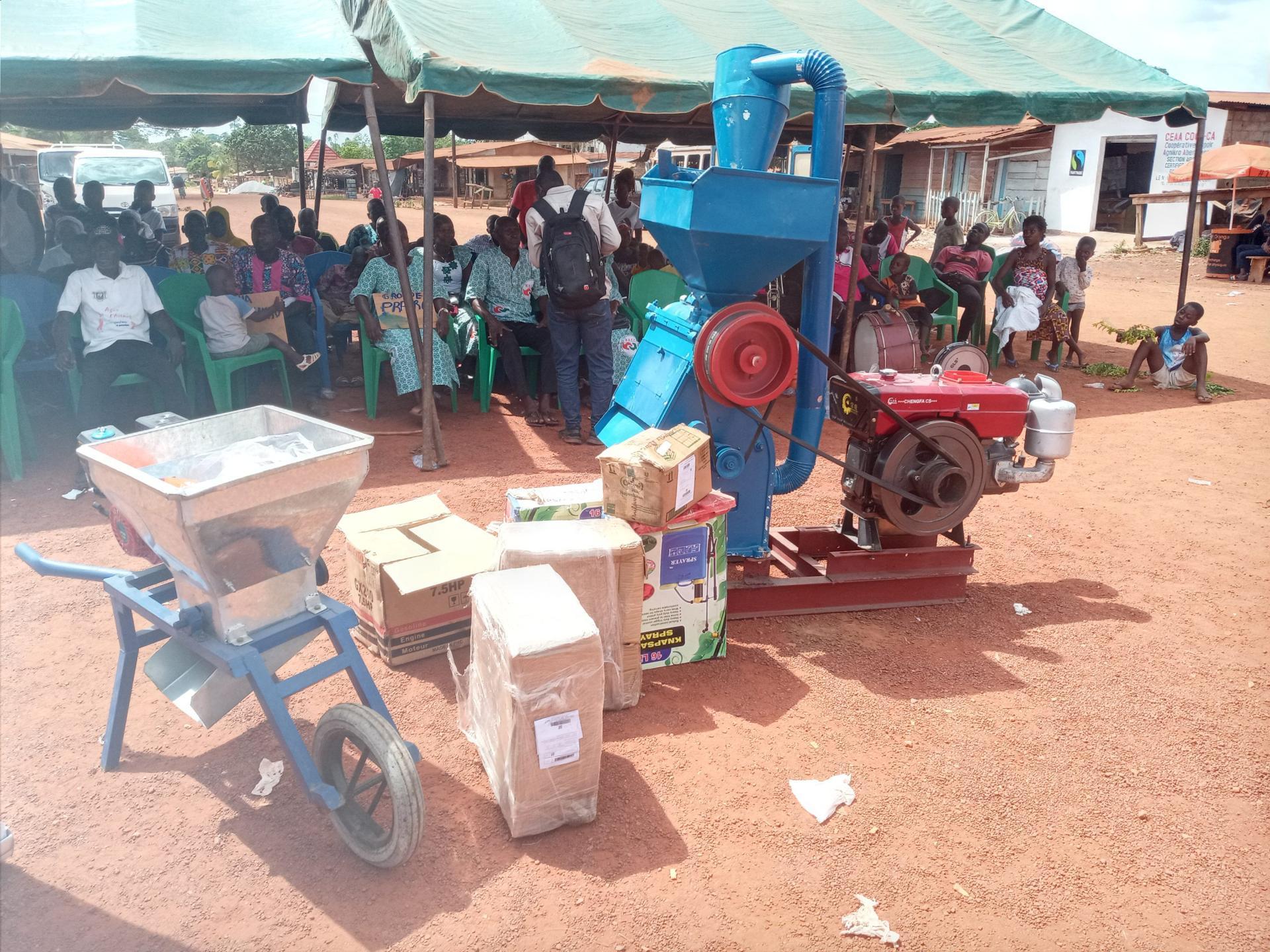 Côte d'Ivoire/Abengourou : Une coopérative agricole reçoit du matériel d'un mouvement de promotion du commerce