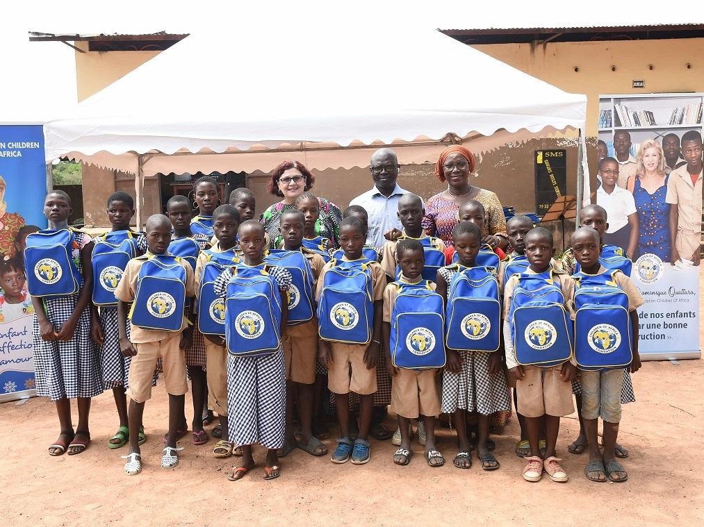 Ferkessédougou: 300 kits scolaires offerts aux écoliers pour la rentrée 2021-2022 par Children Of Africa