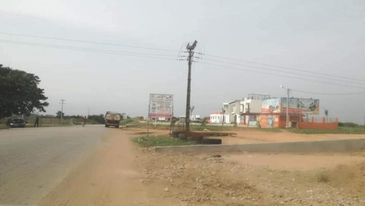 Côte d'Ivoire : Cocody, déficit d'enseignants titulaires dans une école primaire publique située dans le sous quartier de « Anyama Debarcadère » , des benevoles sollicités, les parents inquiets