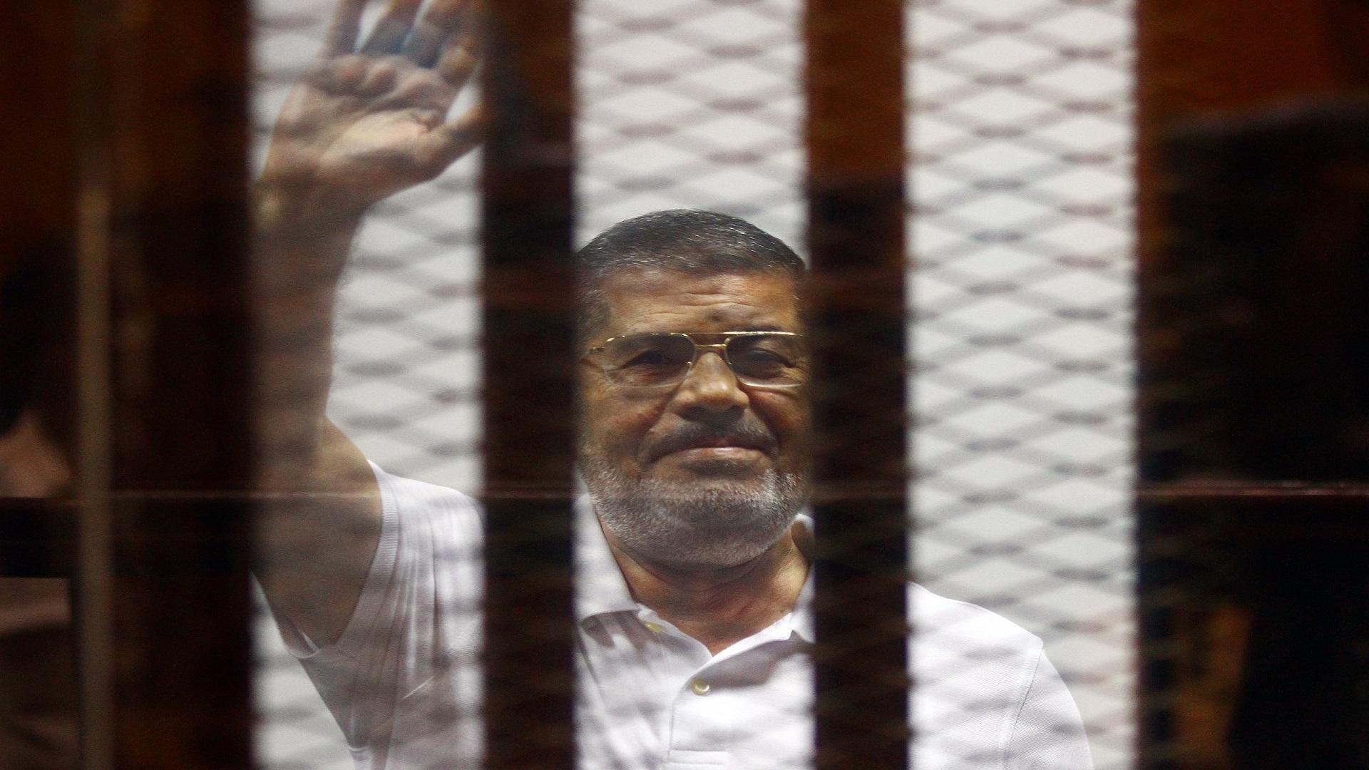 رأت الناشطة أن مرسي ذهب طي النسيان