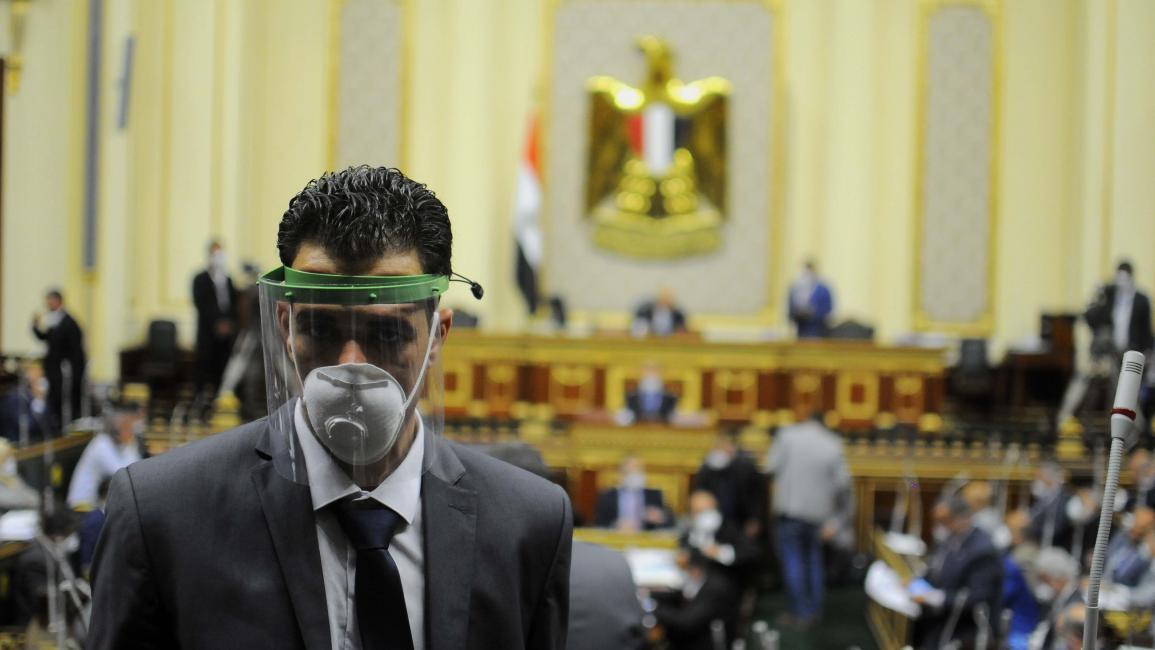 الشيوخ المصري يمنح نفسه سلطة إعداد التشريعات بمخالفة للدستور