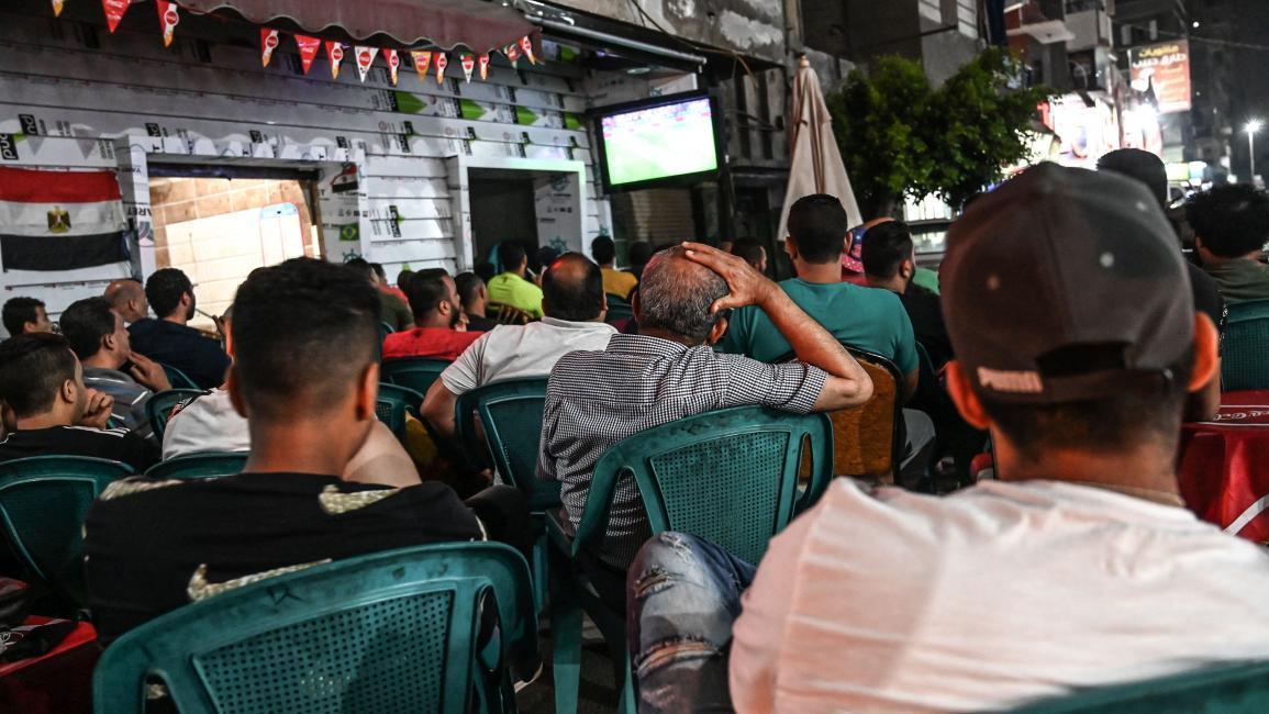 إغلاق المقاهي ليلة مباراة الأهلي والزمالك خشية التظاهر ضد السيسي