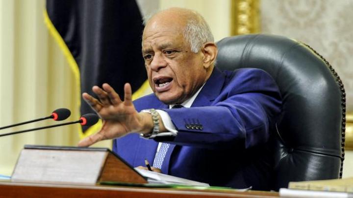 علي عبدالعال يهدد بالاستقالة بحال عدم اختياره رئيساً للبرلمان المصري