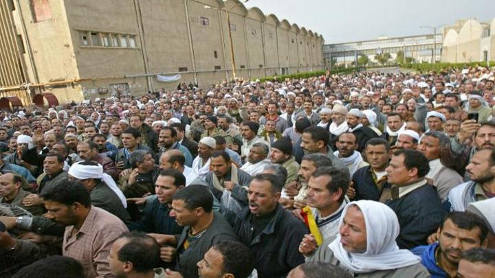 النقابات العمالية المصرية ترفض تصفية شركة الحديد والصلب