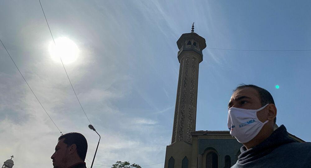 إعلام: مصادر بالصحة المصرية تكشف موعد موجة كورونا الثالثة