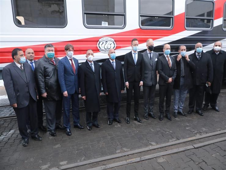 بحضور وزير التجارة المجري.. الوزير يستقبل الدفعة الأولى من عربات السكة الحديد الموردة من المجر