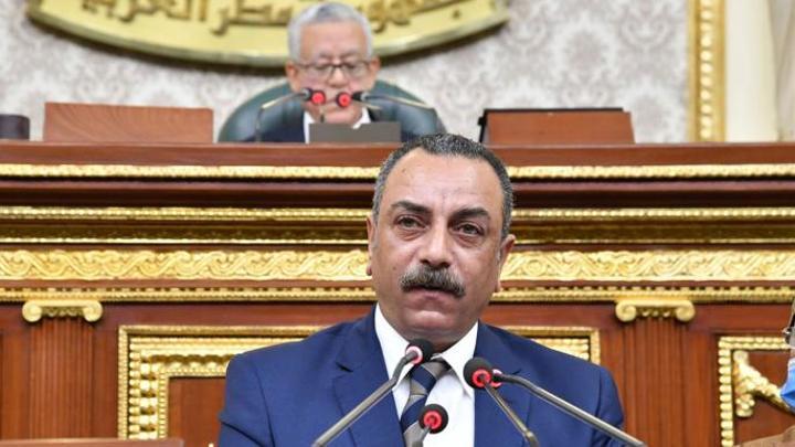 مصر تكمل مخطط تقليص الموظفين بتعديل قانون