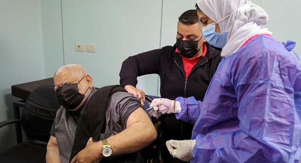 مستشار السيسي للشؤون الصحية: لا توجد آثار خطيرة للتطعيم باللقاح في مصر... فيديو