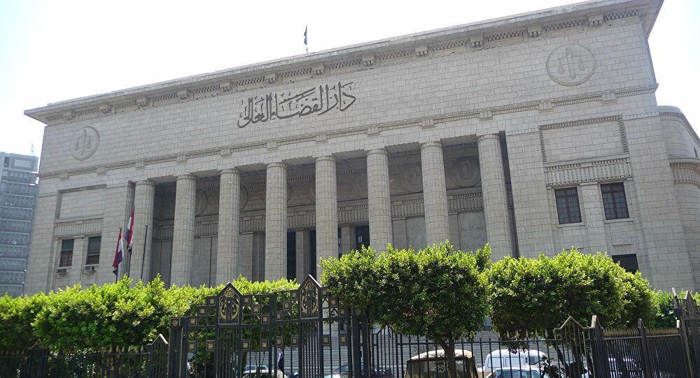 في واقعة غير مسبوقة.. قاض مصري يصدر حكما ضد نفسه