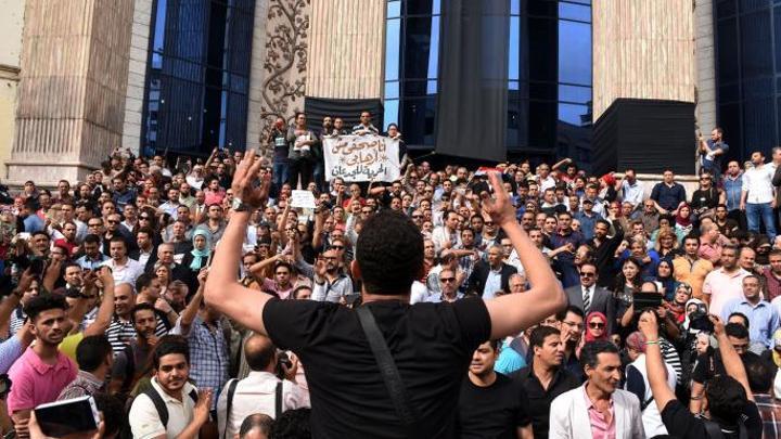 المرصد العربي لحرية الإعلام يطالب بالإفراج عن 70 صحافياً مصرياً