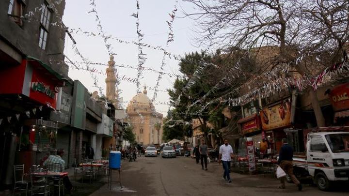 مصر تغلق الحدائق والمتنزهات والشواطئ في