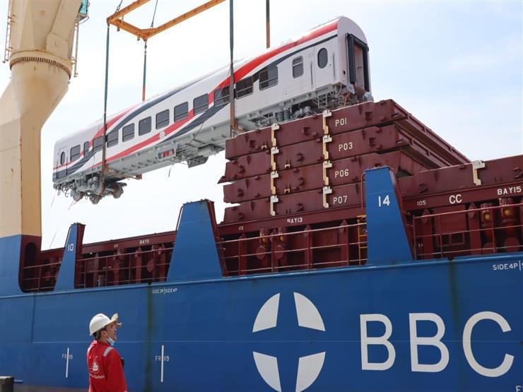 فيديو- وزير النقل: وصول ٥٢ عربة سكة حديد جديدة إلى ميناء الإسكندرية