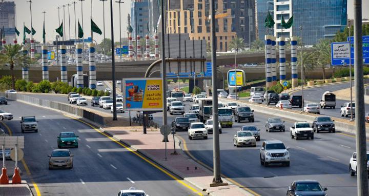 تحذير للعمالة المصرية في السعودية من قرار جديد يبدأ تطبيقه بعد أسبوع