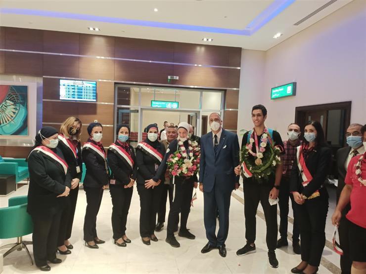 هداية ملاك وسيف عيسى يصلان القاهرة ببرونزيتين من أولمبياد طوكيو