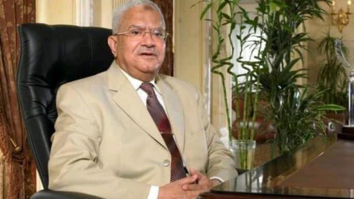المصريون ينعون رجل الأعمال #محمود_العربي