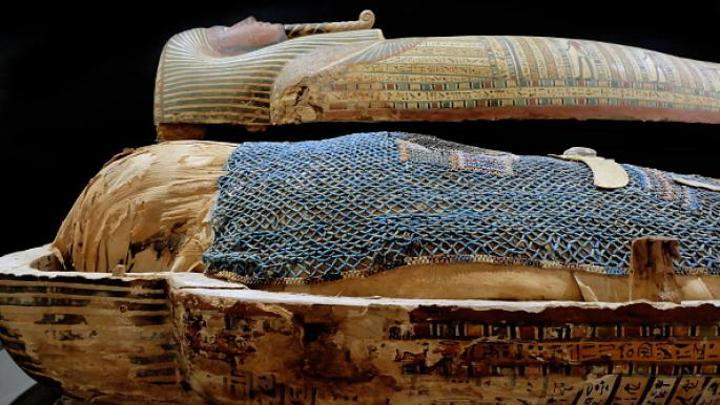 نسيج من زمن مصر القديمة احتفظ بميزات ميكانيكية لافتة لآلاف السنين