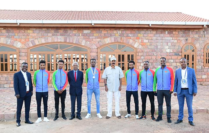 President Isaias encourages National Cycling Team