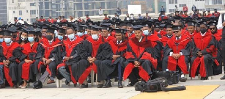 Addis Ababa University Graduates over 6,000 Students