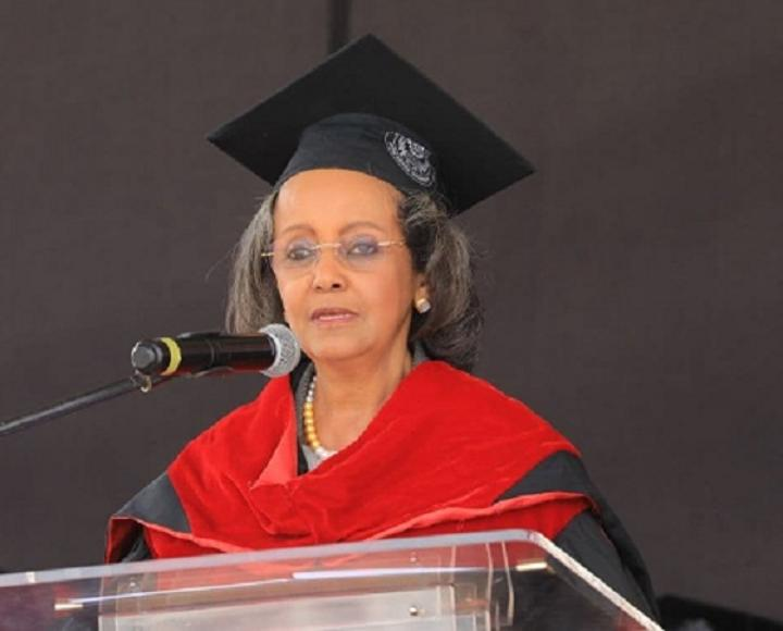 President Calls on Youth to Overcome Difficulties, Work Hard for Growth at AAU Graduation