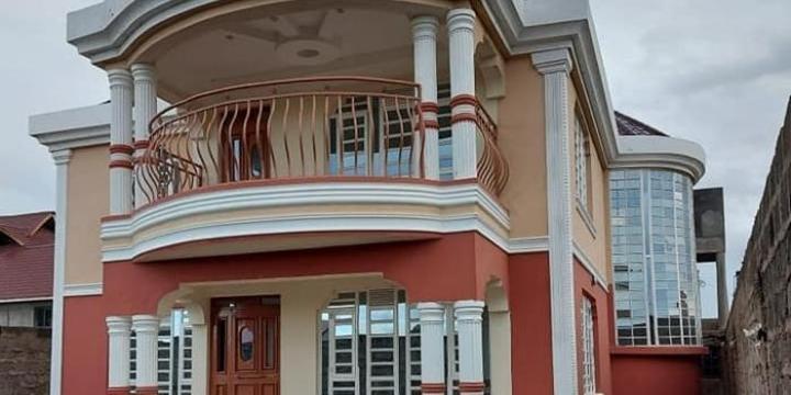 Kenyan in US Gifts Multi-Million Thika Mansion to Neighbours [PHOTOS]