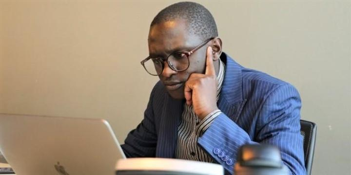 Kinyozi Guy's Advice Saves Accountant