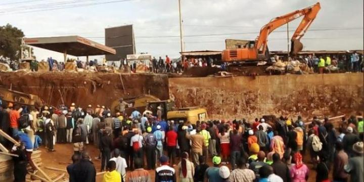 Kangemi Flyover Collapses, Workers Trapped
