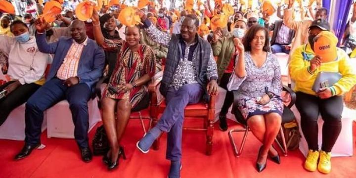 Raila Receives UDA Defectors
