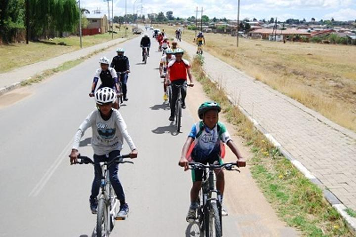 Hands of Life inspire cycling for change