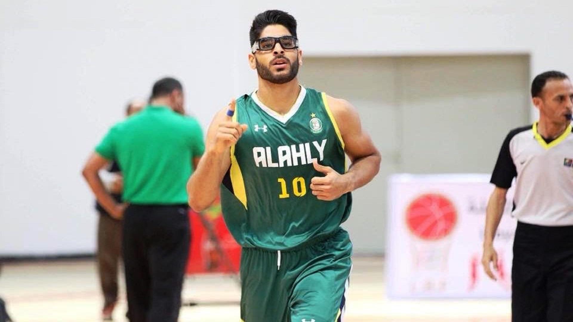نجم كرة السلة الليبية محمد الساعدي