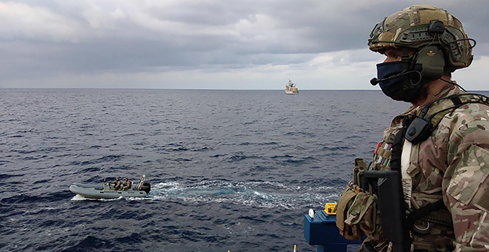 """""""إيريني"""" تواصل عملياتها قبالة السواحل الليبية"""