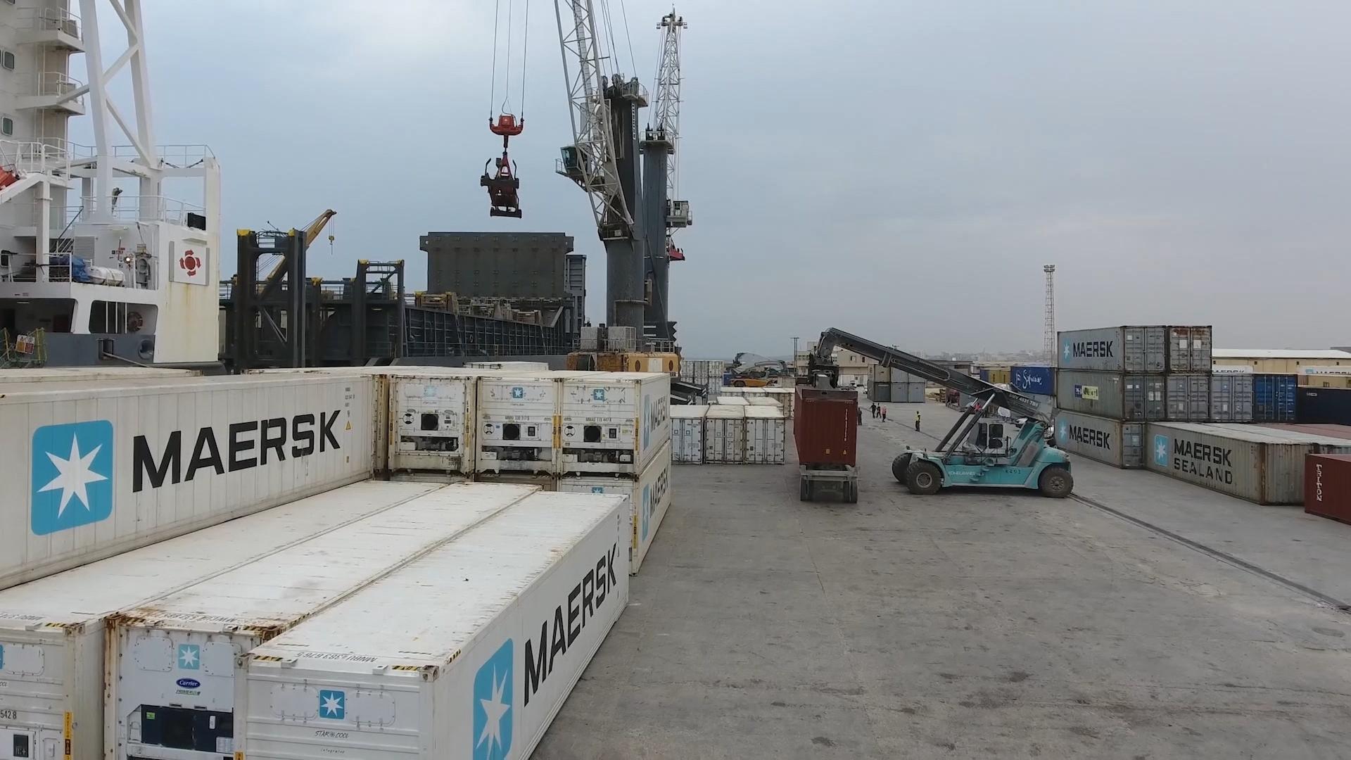 ميناء الخُمس يترقب وصول 4 آلاف طن قمح