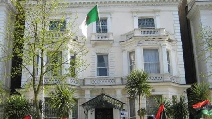 14 من موظفي السفارة الجزائرية في ليبيا يطالبون بتسوية وضعيتهم