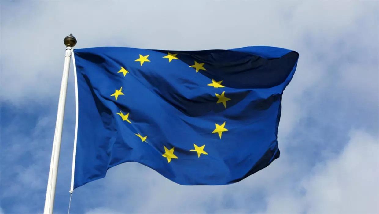 الاتحاد الأوروبي يدعو تونس للمشاركة في إعادة إعمار ليبيا