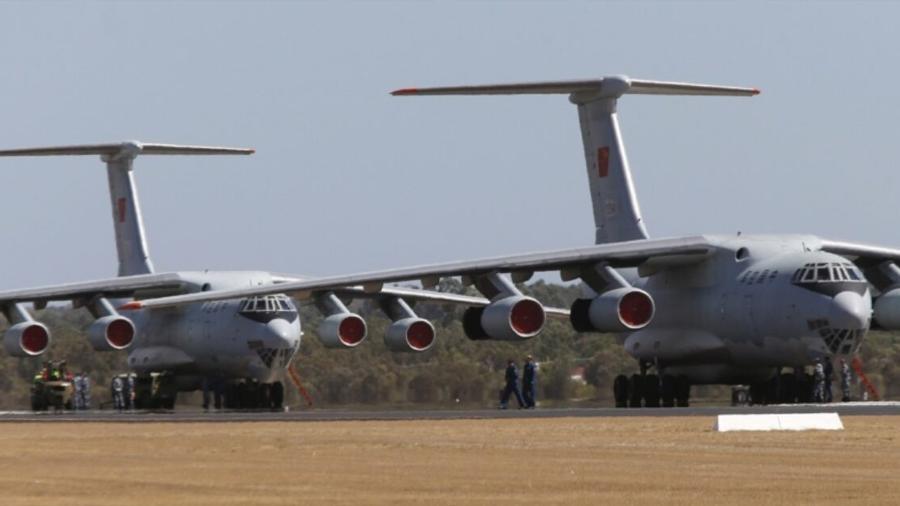 الجزيرة: الإمارات نقلت معدات عسكرية إلى الحدود المصرية الليبية
