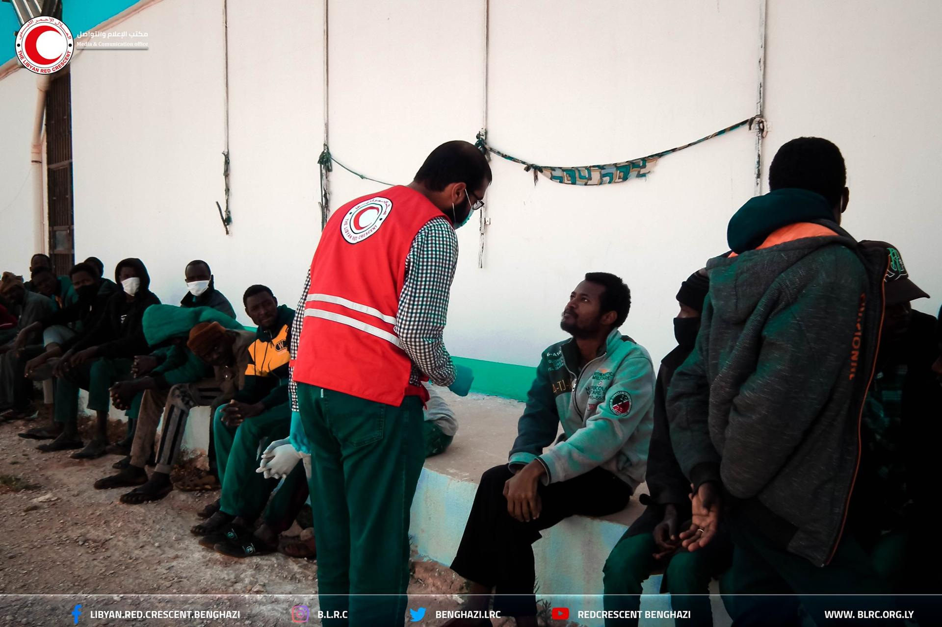 """حملة للتحذير من """"السلّ"""" بمركز الهجرة في قنفودة ببنغازي"""
