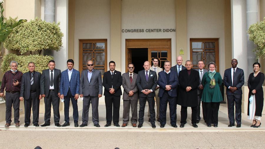 الصليب الأحمر يؤكد أهمية تعزيز الحوار حول القضايا الإنسانية في ليبيا