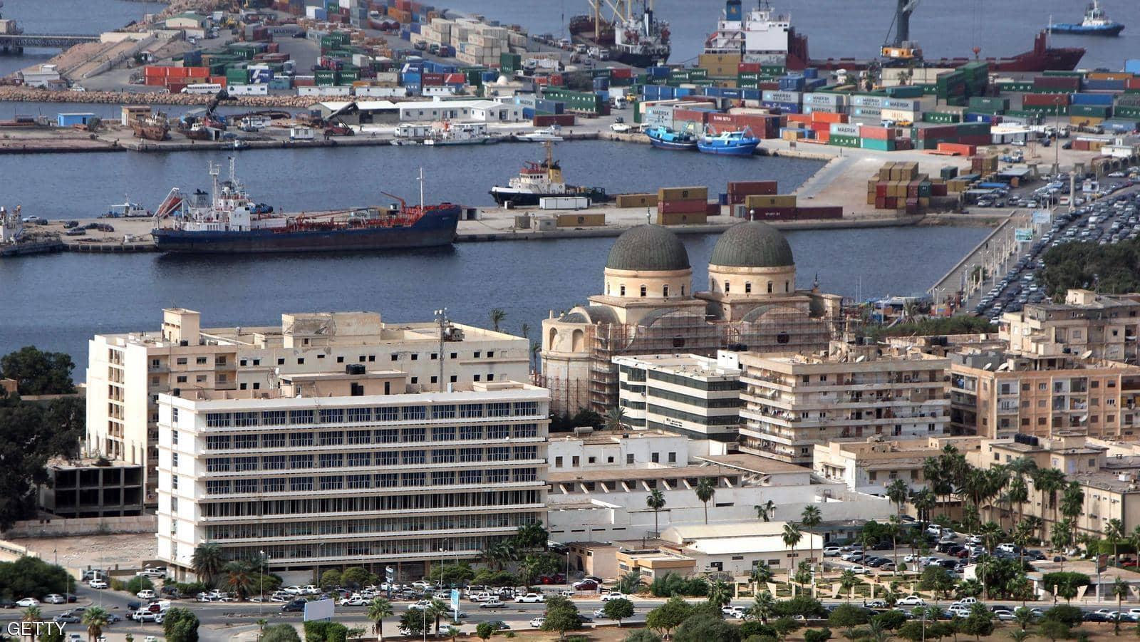 ميناء بنغازي يستقبل 1,127 حاوية بضائع وسلع مختلفة