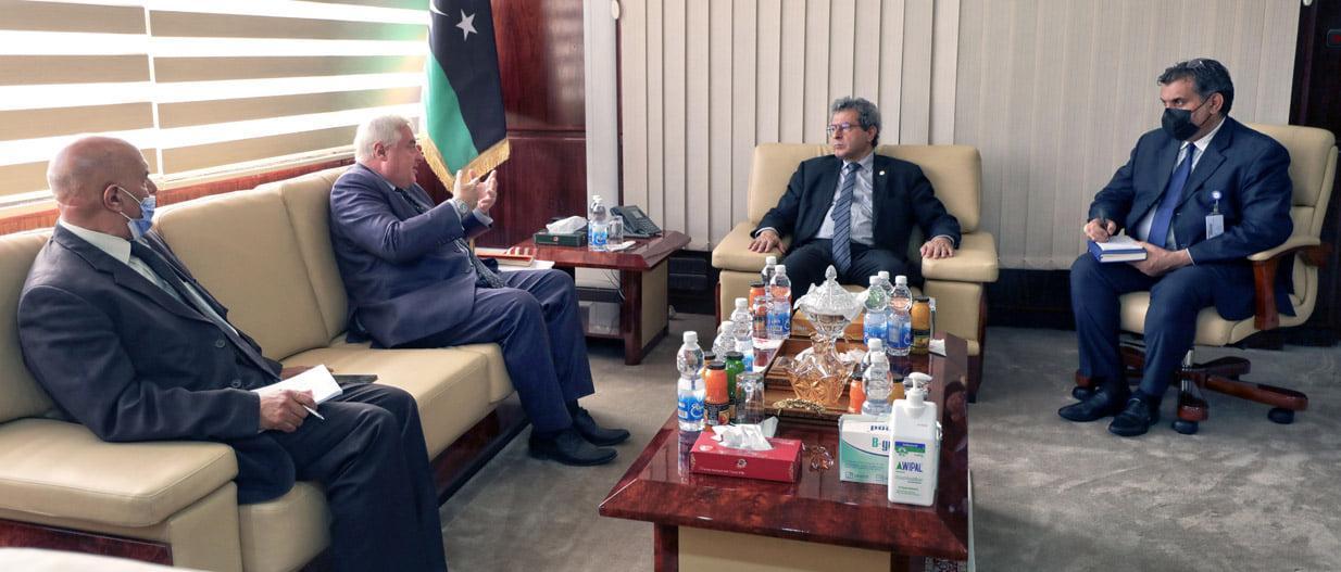 وزارة النفط تتابع نشاط شركة النفط النمساوية في ليبيا