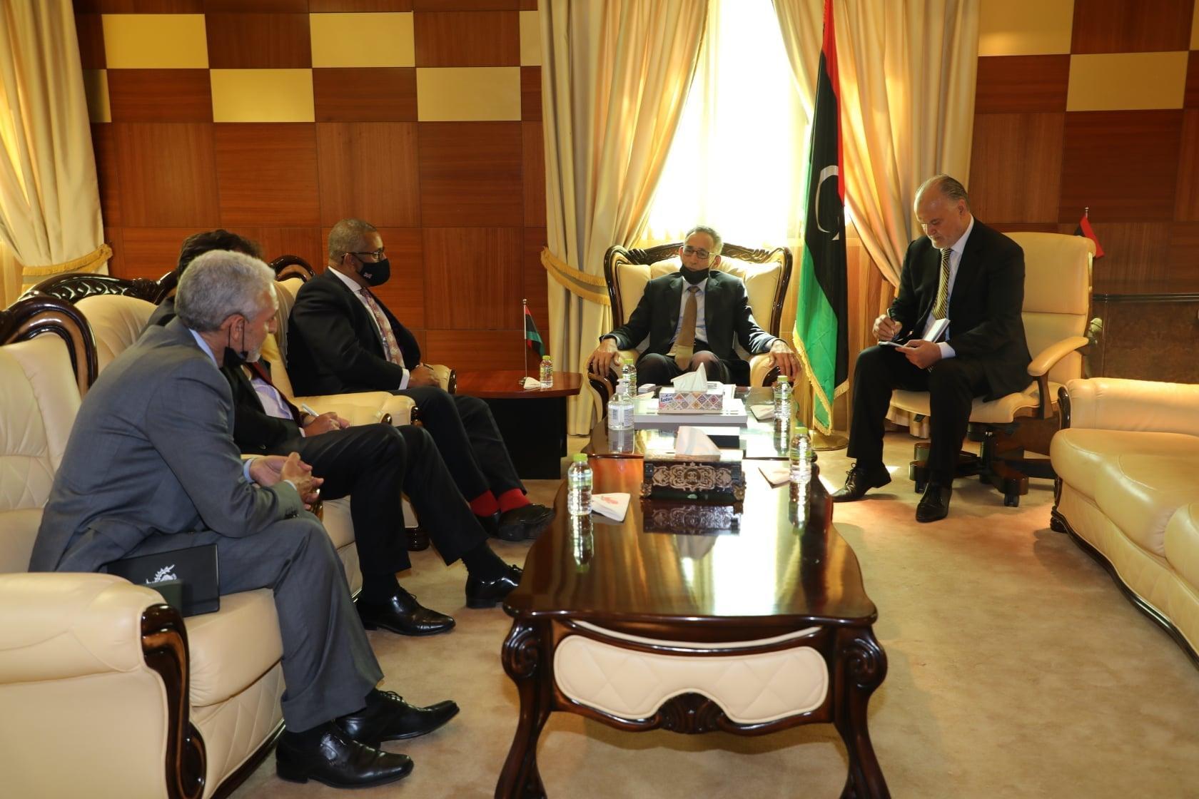 """""""الحويج"""" يدعو لندن لتسهيل إجراءات التأشيرة البريطانية لليبيين"""