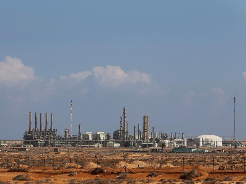 استئناف تصدير النفط من مينائي السدرة وراس لانوف بعد فض الاعتصام
