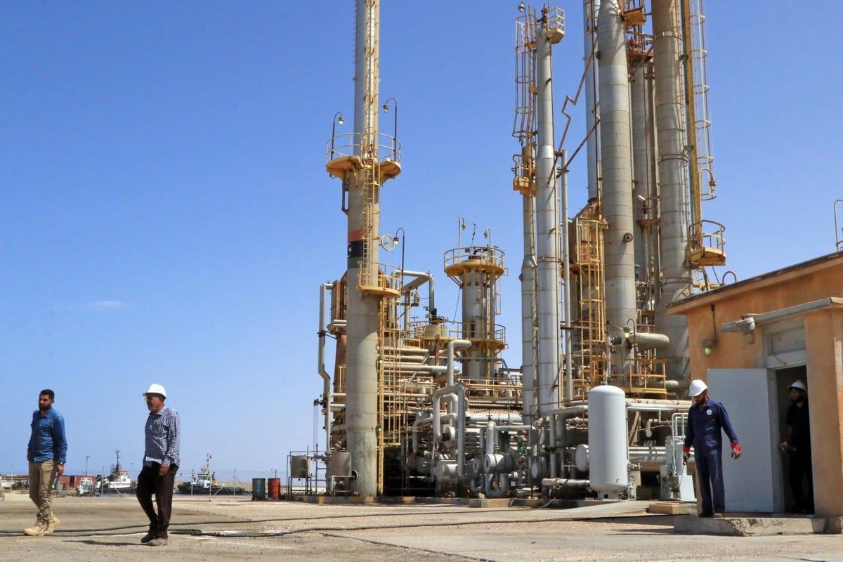 وزارة النفط تعلن زيادة قيمة العلاوة الحقلية بنسبة 75%
