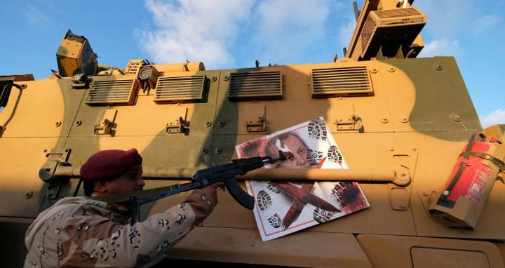 خبير: المسلحون الذين خرجوا من ليبيا ليسوا المستهدفين من القرارات الدولية