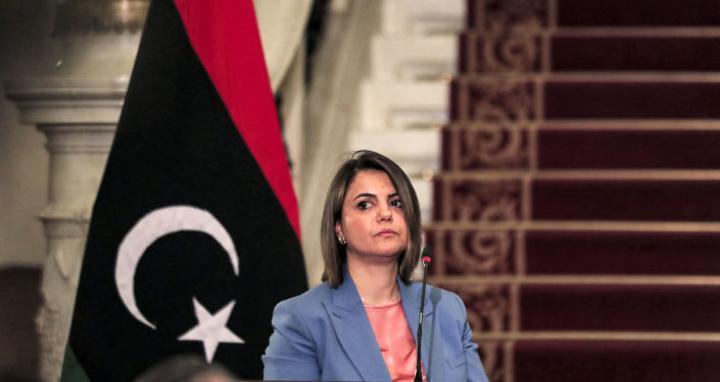 وزيرة خارجية بريطانيا تناقش ونظيرتها الليبية قضيتي الانتخابات وخروج القوات الأجنبية