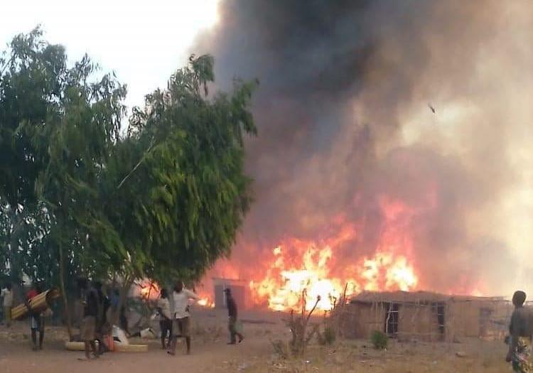 Fire razes village at Njalo Island in Phalombe