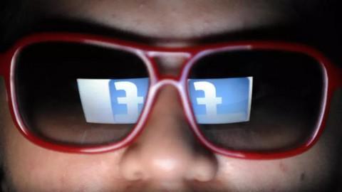 Afrique : Facebook ferme des comptes de désinformation, certains liés à l'armée française