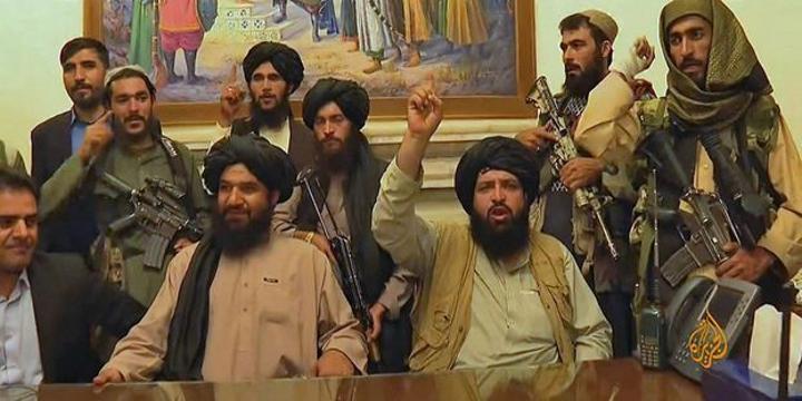 Prise du pouvoir par les Talibansen Afghanistan: Qui veut légitimer l'immobilisme des forces étrangères au Mali?