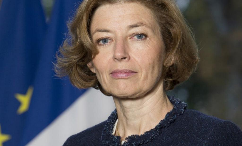 Face au chaos en Afghanistan, la France doit-elle revoir son repli au Sahel ?