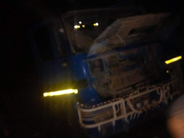 4 وفيات في تصادم بين شاحنتين شرق الطينطان
