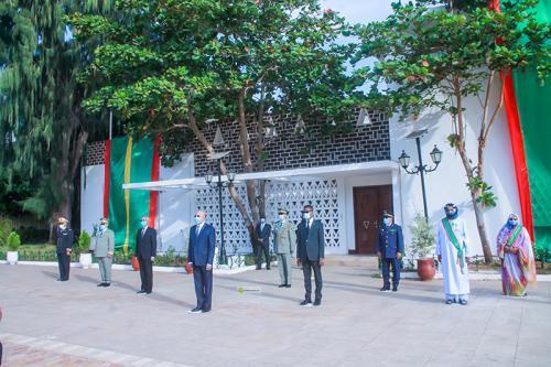 الرئيس غزواني يكرم أبطال المقاومة وقادة الجيش